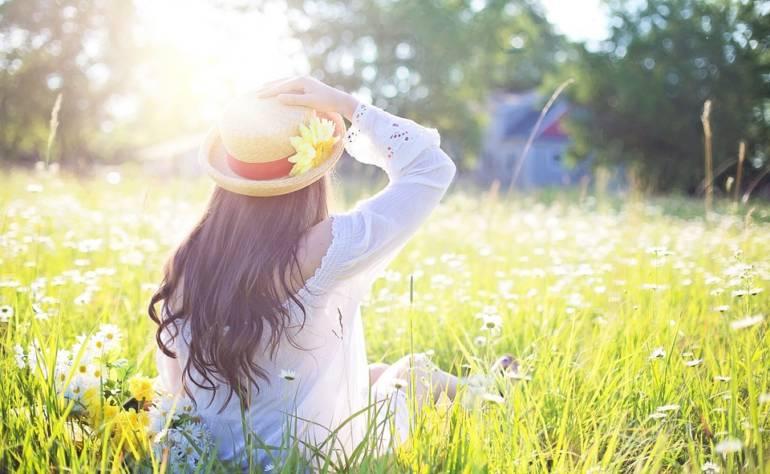 Gesunde Haarpflege im Sommer – Darauf solltest Du achten!