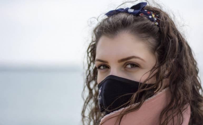 Hautprobleme und Pickel wegen Mundschutz? Das hilft  sofort